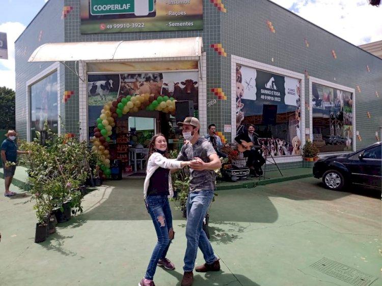 LOJA COOPERLAF COMEMORA SEU SEGUNDO ANIVERSÁRIO