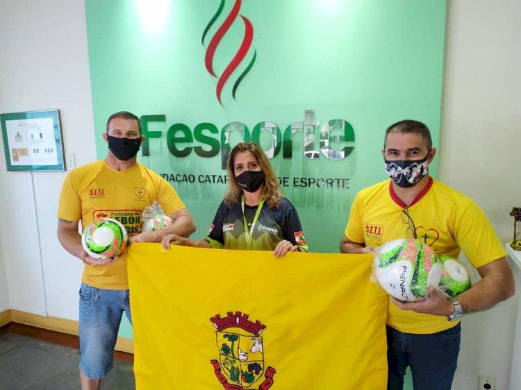 SECRETÁRIO JULIO GOMES BUSCA RECURSOS NA FESPORT
