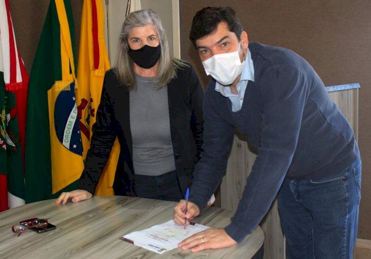 DOUGLAS E TERE LANÇAM O MAIOR PROGRAMA DE INFRAESTRUTURA DE LEBON RÉGIS