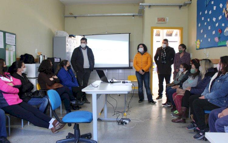 SECRETARIA DE EDUCAÇÃO DE LEBON RÉGIS, CAPACITA PROFESSORES